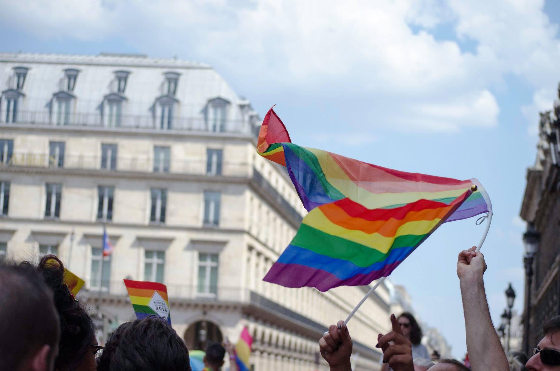 rennes rencontre gay flag a Aurillac
